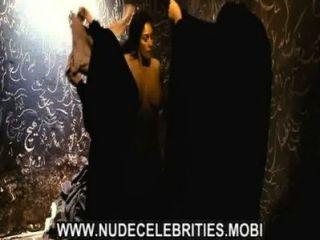 Monica Bellucci rhino Saison Berühmtheit große Titten Babe Sex-Szene