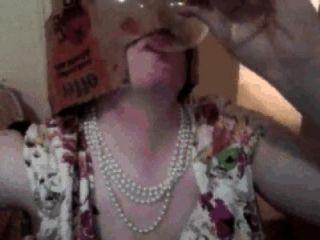 Pixie Frau cumpilation: Pixie Frau trinkt cum aus Glas, isst cum auf Nahrung usw.