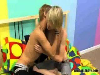 Saugen und Ficken Homosexuell Jungen