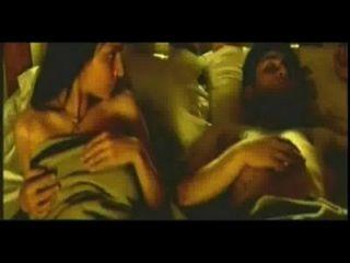 Bollywood-Schauspielerin nackt ass