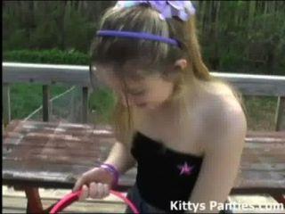 unschuldig 18yo Kitty Jagd für Ostereier
