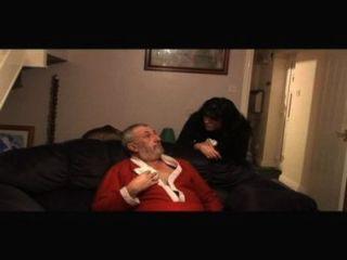 Angriff: zwei Mädchen und alte haarige Mann