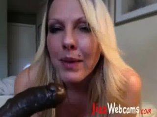 schmutzig porno MILF fickt bbc Dildo-Cam