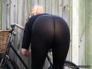 sexy Lycra ass britische Milf dani Englisch