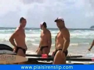 Männer in Badebekleidung