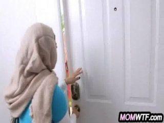 arab Mutter und Tochter teilen Hahn Juli Vega-, mia Kalif 23 81