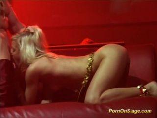öffentlichen Skandal Porno Show
