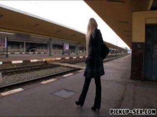 european Baby Engel wicky in Zügen Toilette für Geld gefickt