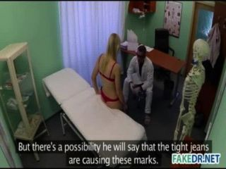 Arzt will seinen Patienten ficken
