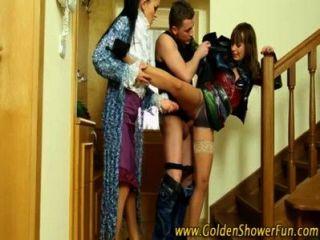 goldene Dusche für Schlampen