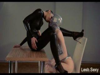 trägerlos Dildo, feeldoe Sex von http://lesb.sexy