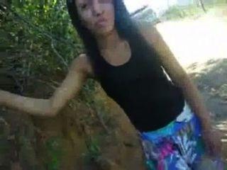morena Mostrando eine buceta na rua