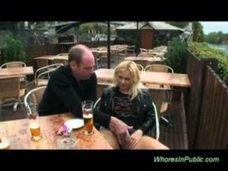 Blasen und ficken in der Öffentlichkeit