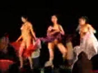 andhra Mädchen nackt tanzen