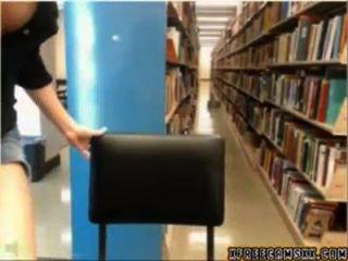 Bibliothek cam Mädchen wird gefangen