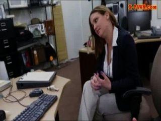 foxy enorme Brüste Business-Frau für Geld vermasselt