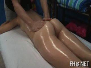sexy 18 Jahre alt Babe wird hart geschraubt