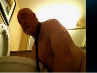 Toilette Slave