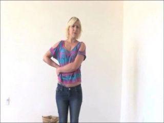Amateur blonde Marsha gibt eine wirklich grobe nass bj sie heute Kalender Vorsprechen