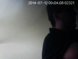 saif auf der Toilette, Spy-Cam