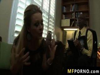 riesigen schwarzen großen Schwanz fickt sexy blonde Dyanna Lauren 2