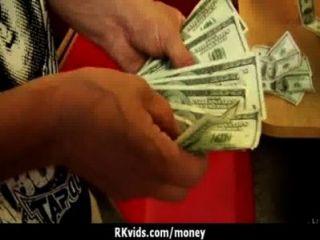 Amateur-Küken braucht Geld für einen Fick 10