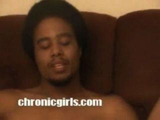 Schlampe betrügt huband mit schwarzen gefangen auf Band - pornhub.com.mp4