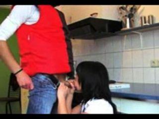 german-girl-fucks-pizzaboy-3gpking.com
