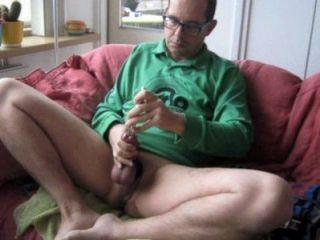 ein großes gutes Sperma spritzen in meinem grünen Hemd