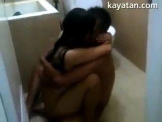 pinay Paar Sex im Inneren Bad