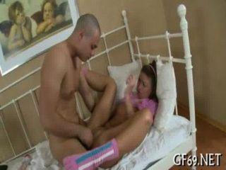 Playgirl ist surrending ihre Jungfräulichkeit