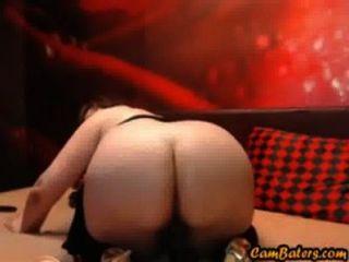 sexy MILF reitet Dildo mit ihrem fetten Arsch
