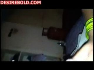 südindische Chennai Kerl ihre wifes nackten Körper ausgesetzt