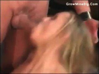ihren Arsch und Fotze Blonde mit einem Schwanz bis