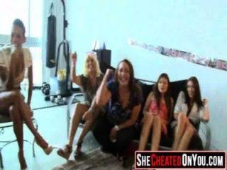 23 awesome! diese Mädchen gehen auf clucb Orgie Dick Saugen 29 verrückt