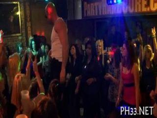 viele Gruppen Sex auf Tanzfläche