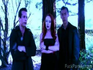 diese geilen Vampire mit heißem blpod haben Spaß in dieser xxx Parodie