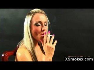 heiß verrückt erstaunlich Rauchen MILF gerammt