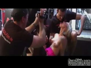 big Tit Blondine nimmt Gesichtscumshots in Gang bang11 widescreen tso [51]