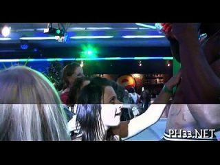 Gruppensex wildes Patty im Nachtclub