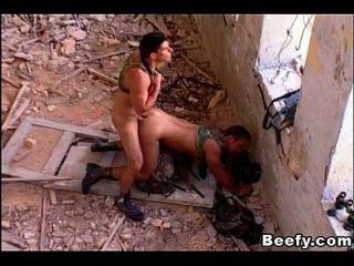 heiße muskulöse Beefy Militär Männer Stud und gefickt