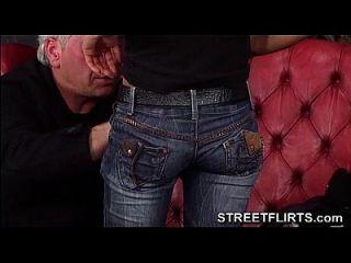 streetflirts.com amateur saugt dick bei porn casting