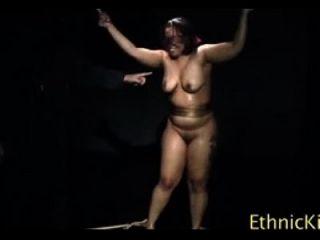 ethnischer Knick kitzeln