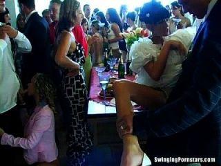 Hochzeit Huren sind in der Öffentlichkeit ficken
