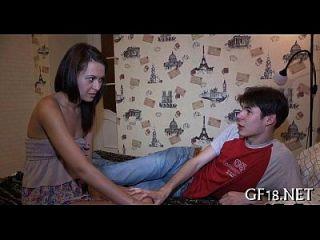 nach dem Sex in dieser Position Mädchen