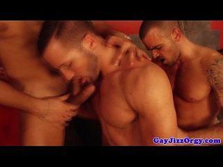 Homosexuelle Orgie mit unersättlichen Hunks
