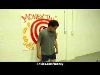 Amateur-Küken nimmt Geld für einen Fick 10