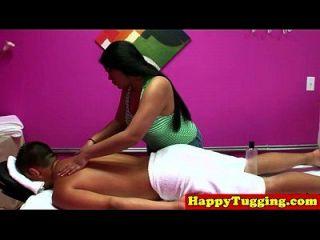 echte jap masseuse in dick rubbing session