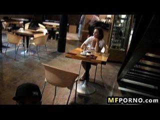 Mädchen wird gefickt im Restaurant christen courtney 2