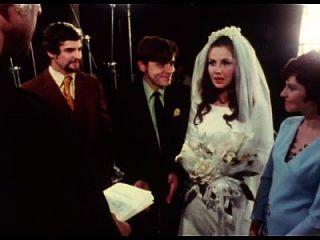 Braut geben Blowjob zu Bräutigam bei Hochzeitszeremonie